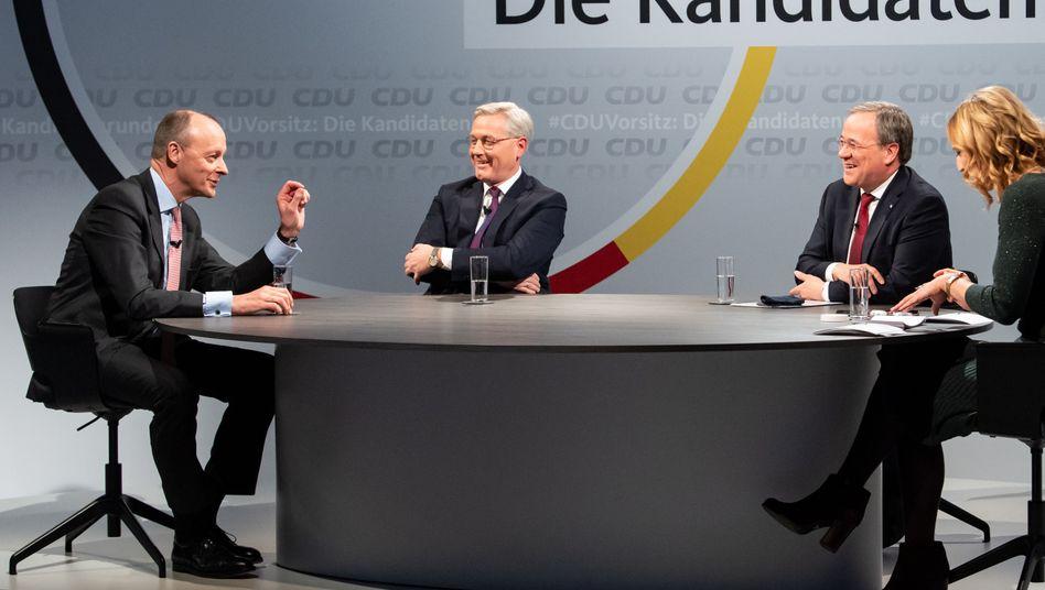 Kandidaten Merz, Röttgen, Laschet in der CDU-Zentrale mit Moderatorin