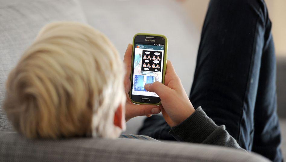 Im Sog des Bildschirms: Viele Jugendliche realisieren selbst, dass es nicht gut für sie ist