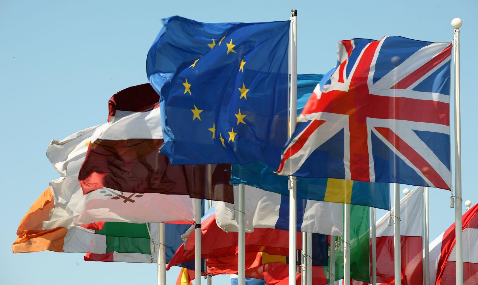 Flaggen EU-Parlament