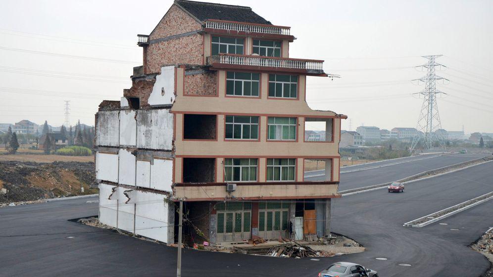 Straßenbau in China: Das Haus im Kreisel