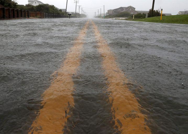 Auch die knapp hundert Kilometer nördlich von Ocracoke gelegene Insel Nags Head wurde überflutet