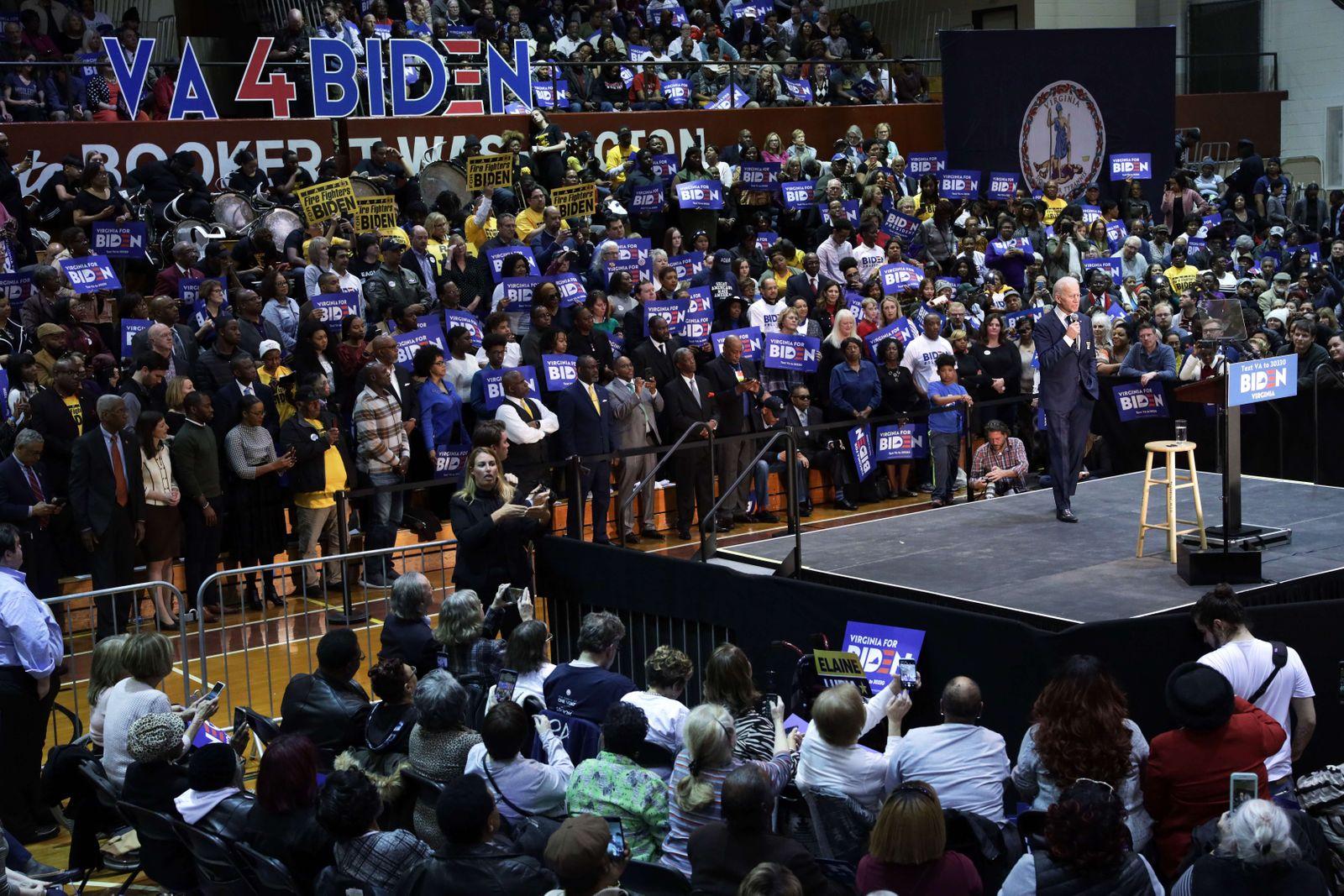 Democratic Presidential Candidate Joe Biden Campaigns In Norfolk, Virginia