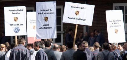 Porsche-Mitarbeiter in Weissach bei Stuttgart: Protest gegen Piëch