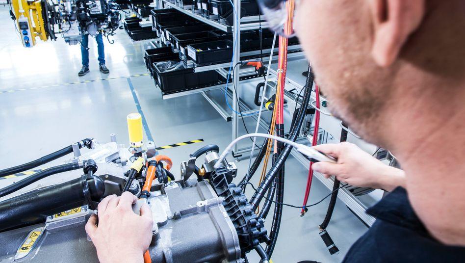 Daimler bringt seine Brennstoffzellentechnologie in ein Gemeinschaftsunternehmen mit Volvo ein