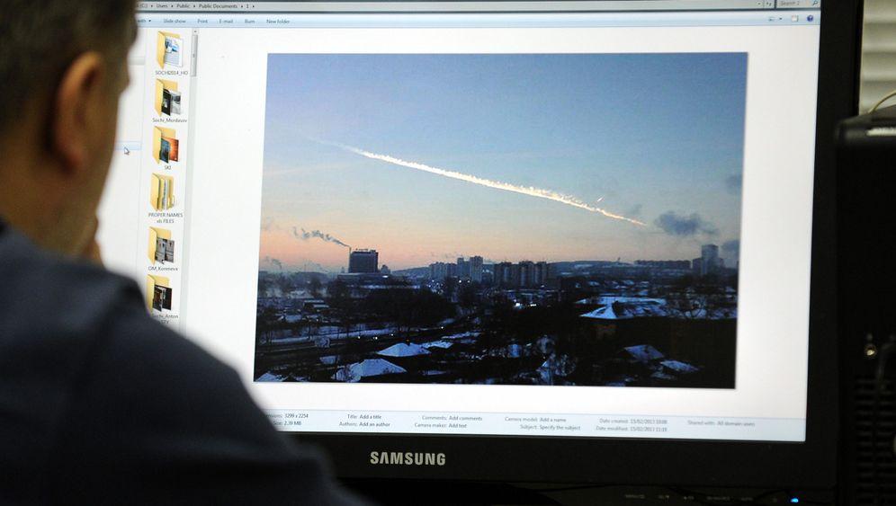 Photo Gallery: Rain of Fire in Russia