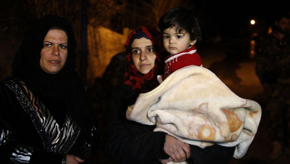 Flucht aus Madaja: 300 Menschen durften aus der vom Assad-Regime belagerten Stadt