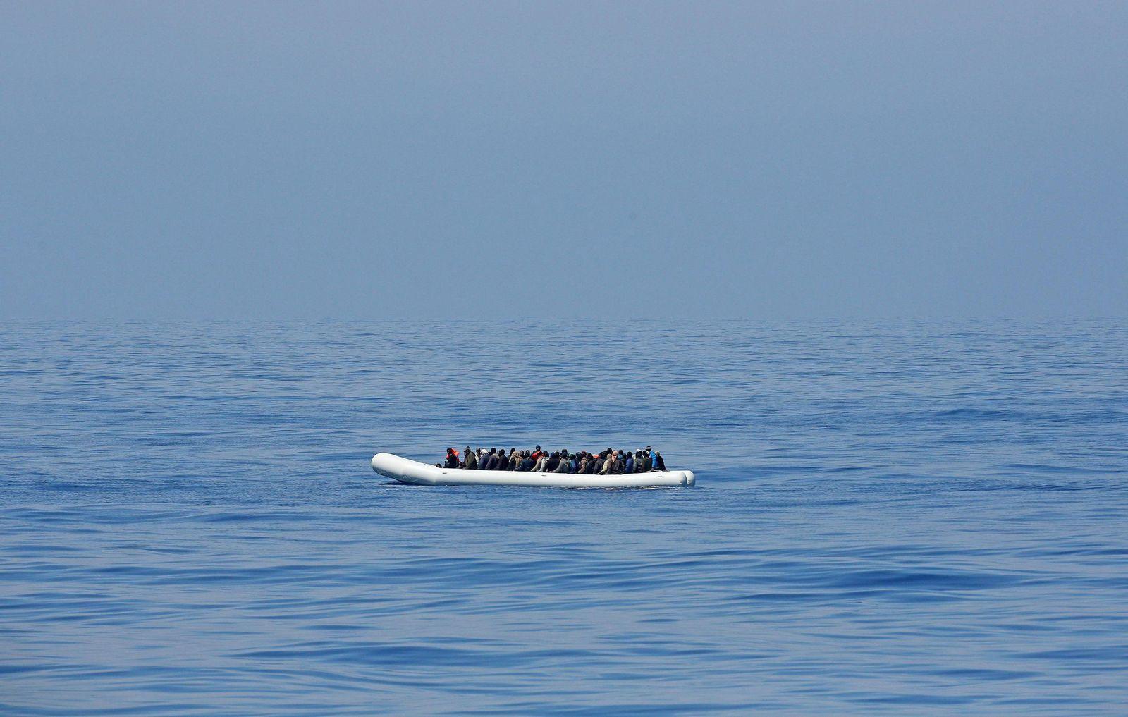flüchtlinge schlauchboot