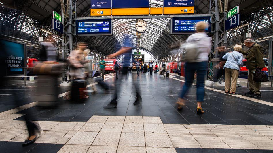 Frankfurter Hauptbahnhof (2018): Als Kopfbahnhof verursacht er häufig Verspätungen mit bundesweiten Auswirkungen