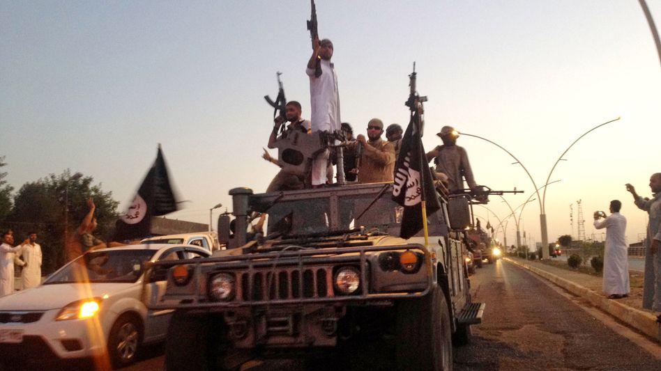 IS-Kämpfer in Mossul (Archivbild): Immer mehr Rekruten aus Deutschland