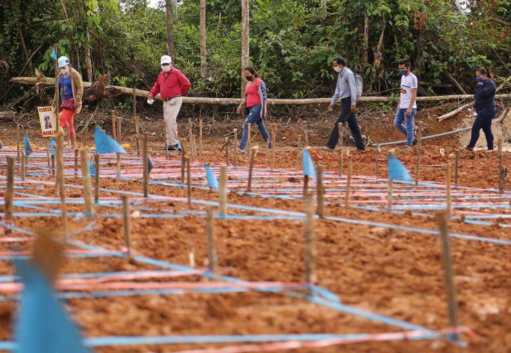 Massengrab von Corona-Opfern bei Iquitos: