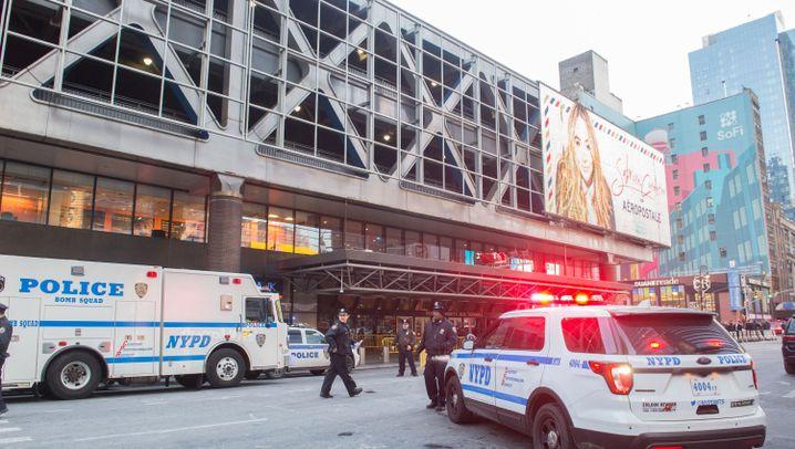 New York: Explosion in Manhattan