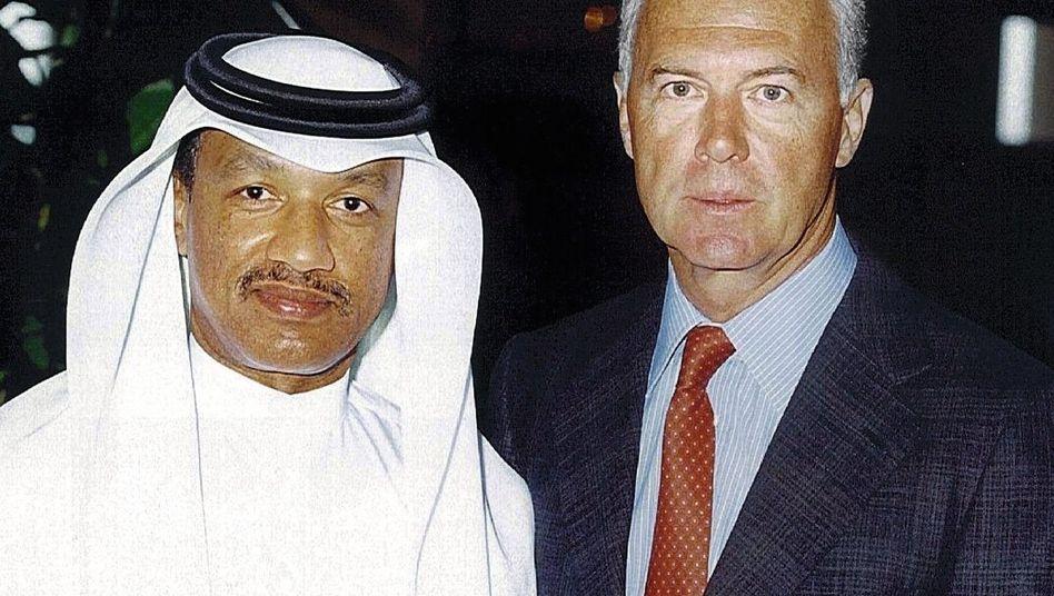 Funktionär Bin Hammam, WM-Bewerbungschef Beckenbauer 2000: Viel zu verbergen