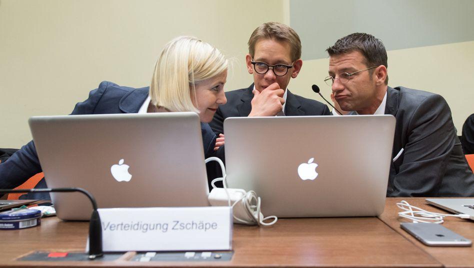 Zschäpe-Verteidiger Sturm, Heer, Stahl: Keine Straftat
