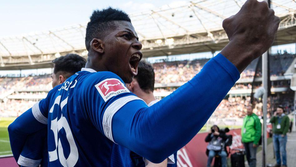 Nach sechs Niederlagen in Folge hatte Schalke in Hannover endlich wieder Grund zu jubeln.