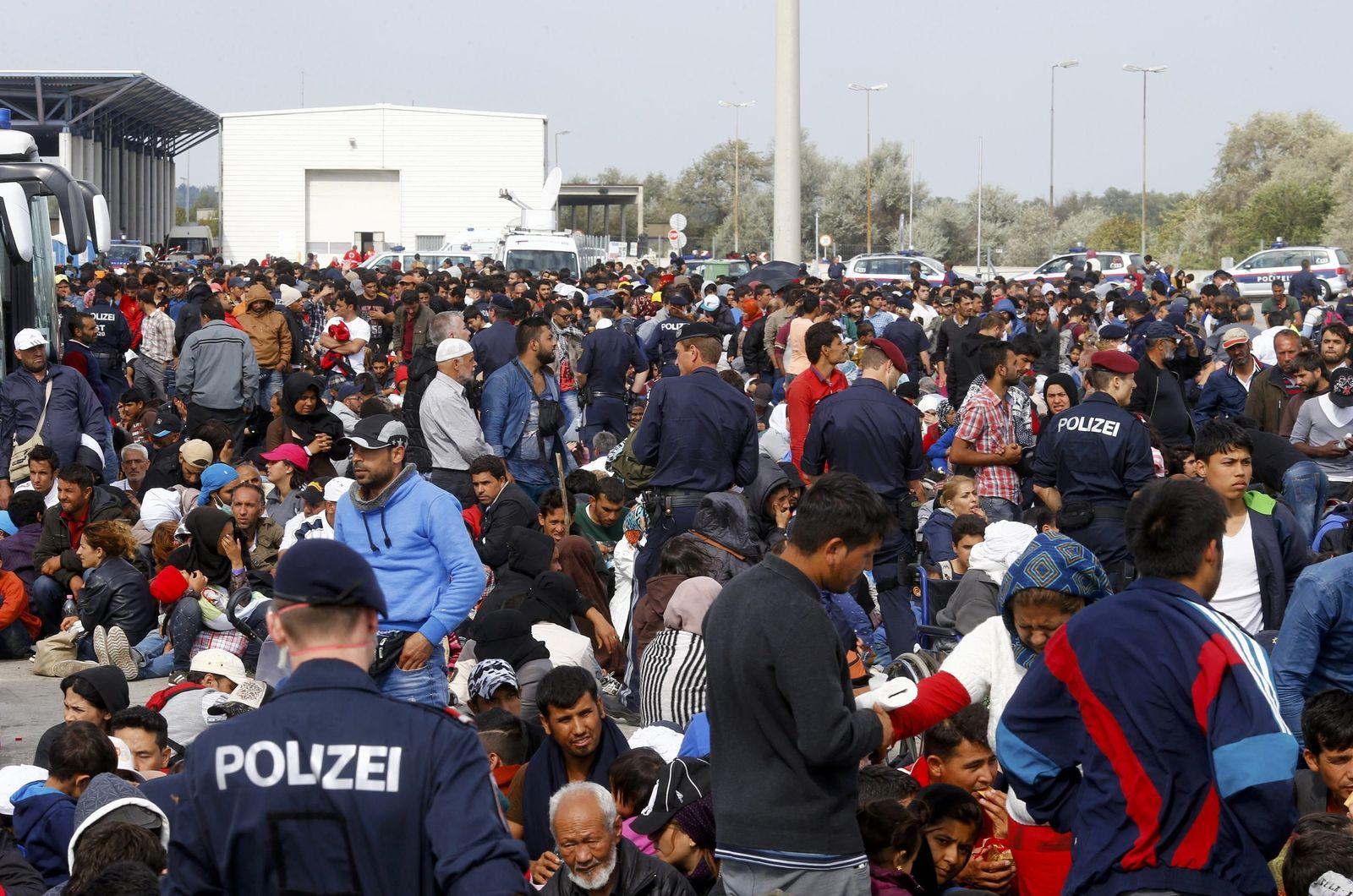 Österreich/ Nickelsdorf/ Flüchtlinge