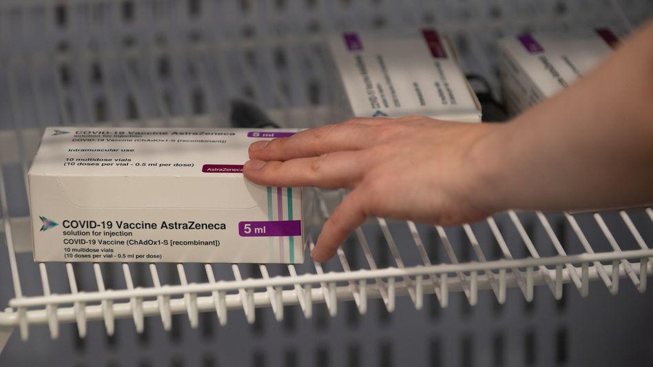 Begehrt, um nicht zu sagen: umkämpft. Der Impfstoff von AstraZeneca