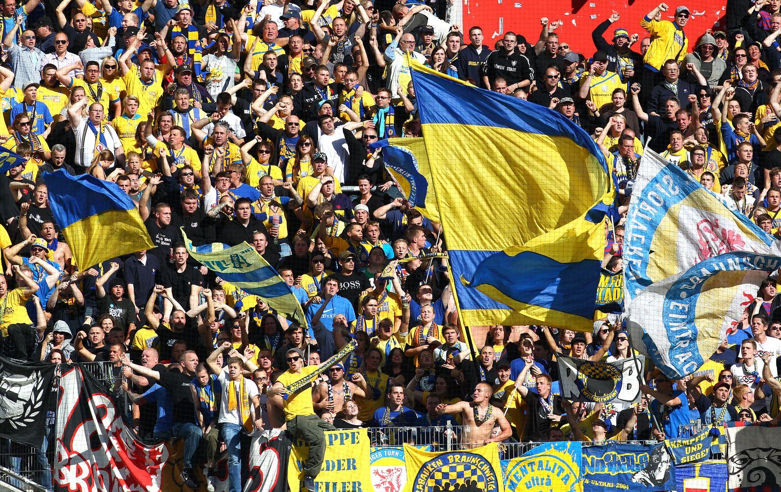 NICHT VERWENDEN Eintracht Braunschweig Fans