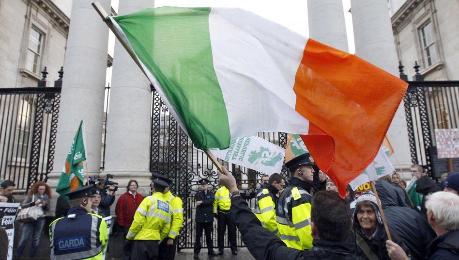 """Proteste in Irland: Die Regierung nennt ihren Plan """"alternativlos"""""""