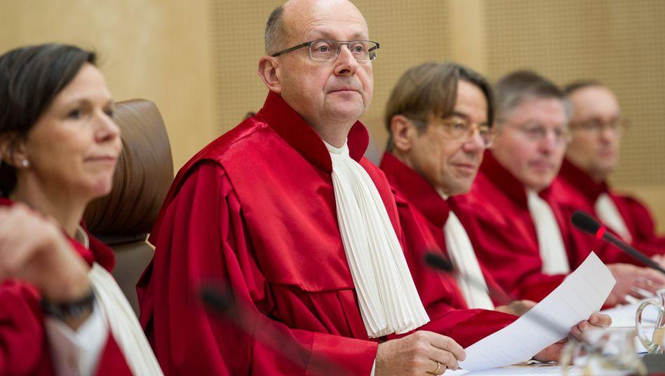 Karlsruher Richter: Entscheidung zugunsten Homosexueller