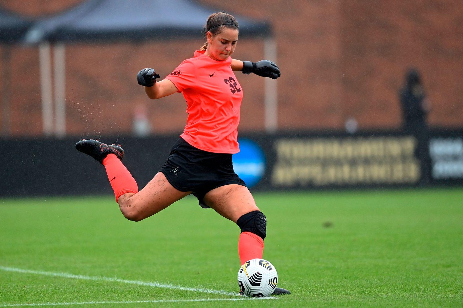 Vanderbilt-Woman Kicker Football