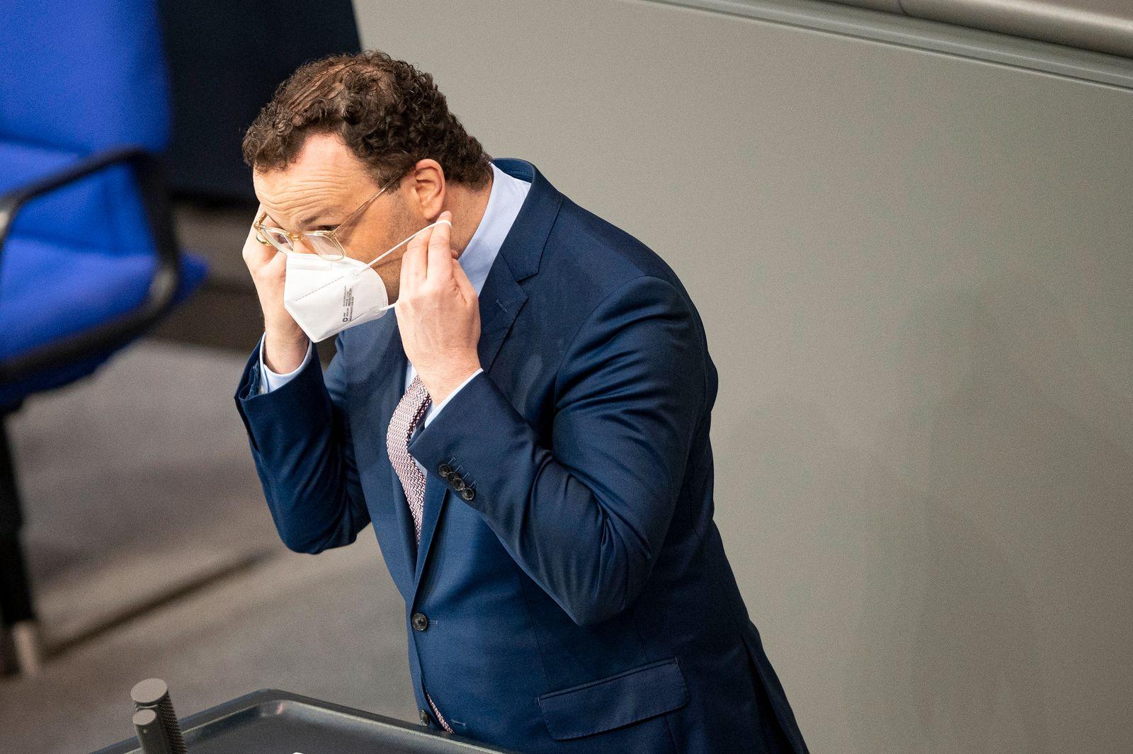 Gravierende Fragen - Krisenmanager Spahn als Verteidiger