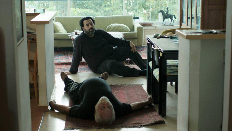 Szenenbild aus »The Death of Cinema and My Father Too« von Dani Rosenberg