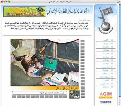 Nein, dieser Mann ist nicht Osama Bin Laden: Kämpfer der AQIM am Laptop.