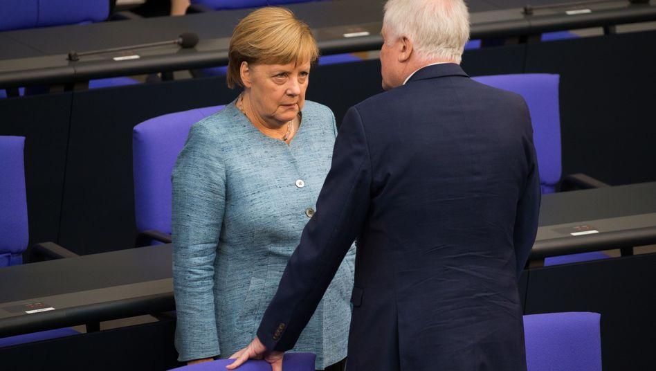Merkel und Seehofer im Bundestag
