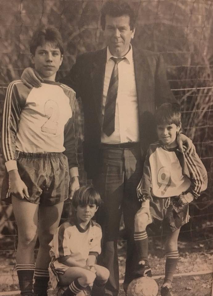 Sportbegeisterte Familie: Vater Rudolf Reichert (Mitte) mit den Söhnen Ralf, Benjamin und Tim (von links)