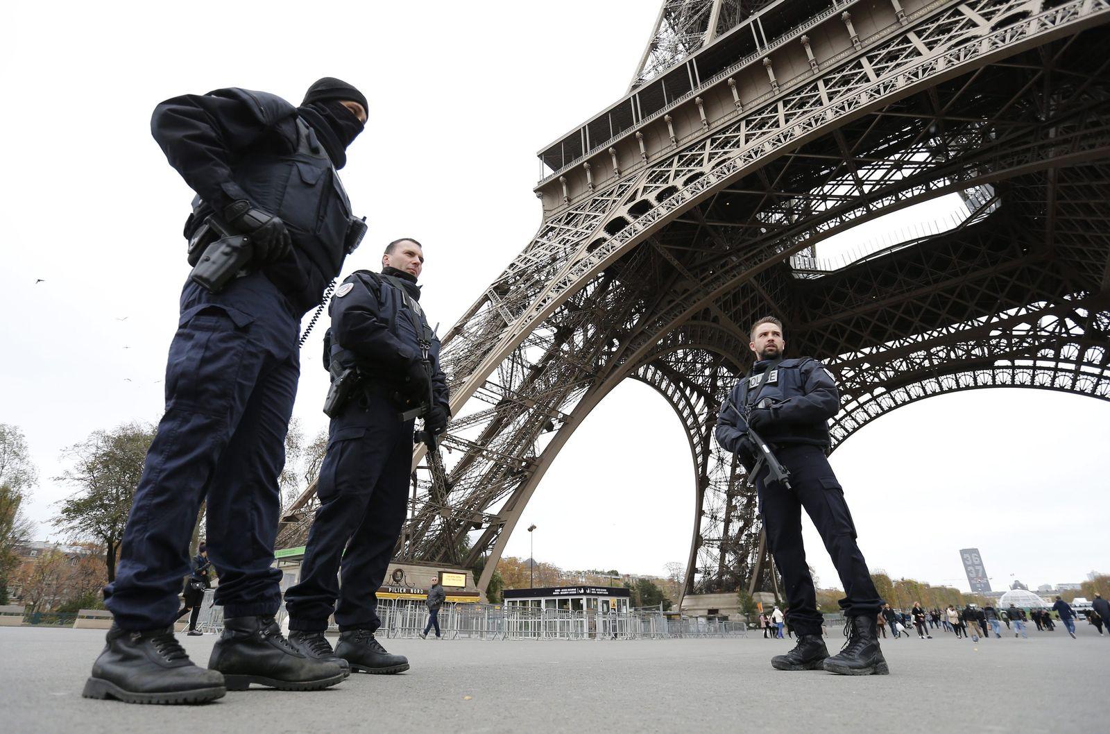 Paris attacks aftermath - security