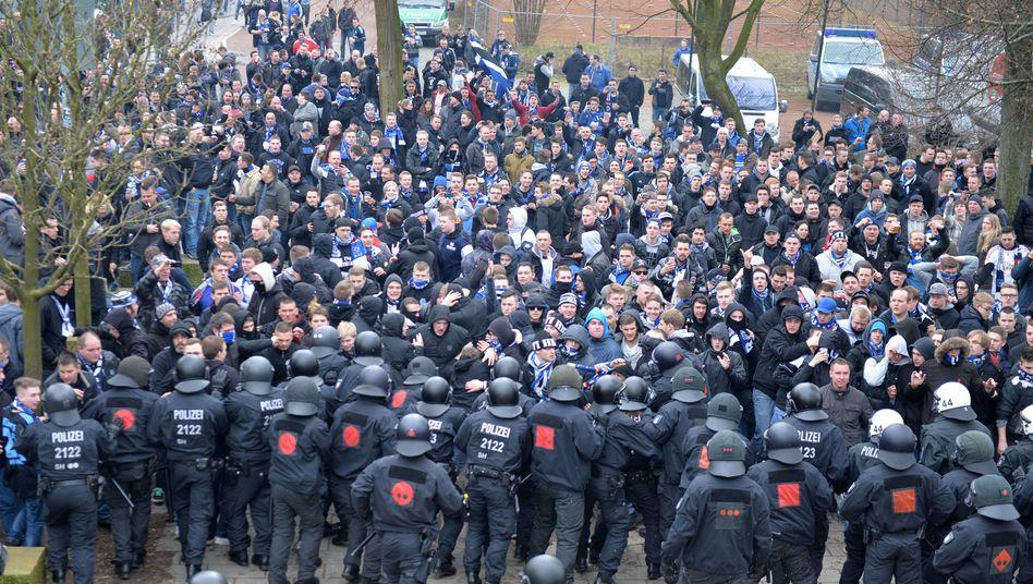 Polizeieinsatz rund ums Spiel Werder gegen den HSV: Rechnung über 425.818,11 Euro