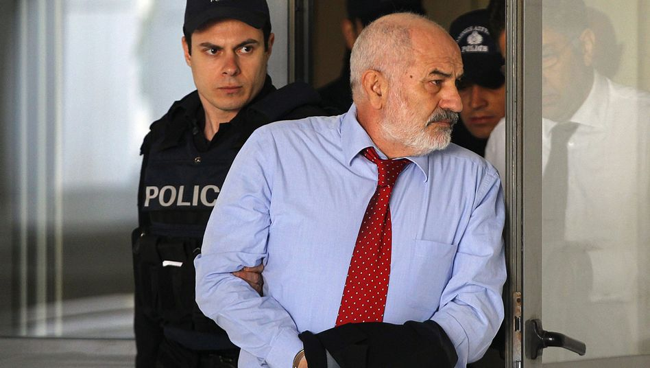 Giannis Sbokos: Polizei-Eskorte zum Gericht