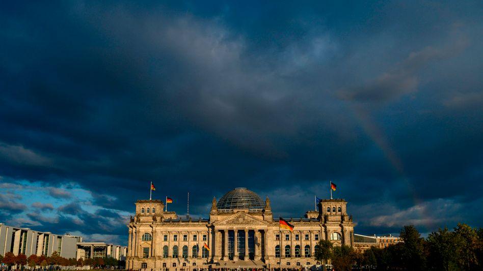 Reichstagsgebäude in Berlin: Parteipolitische Borniertheit überwinden