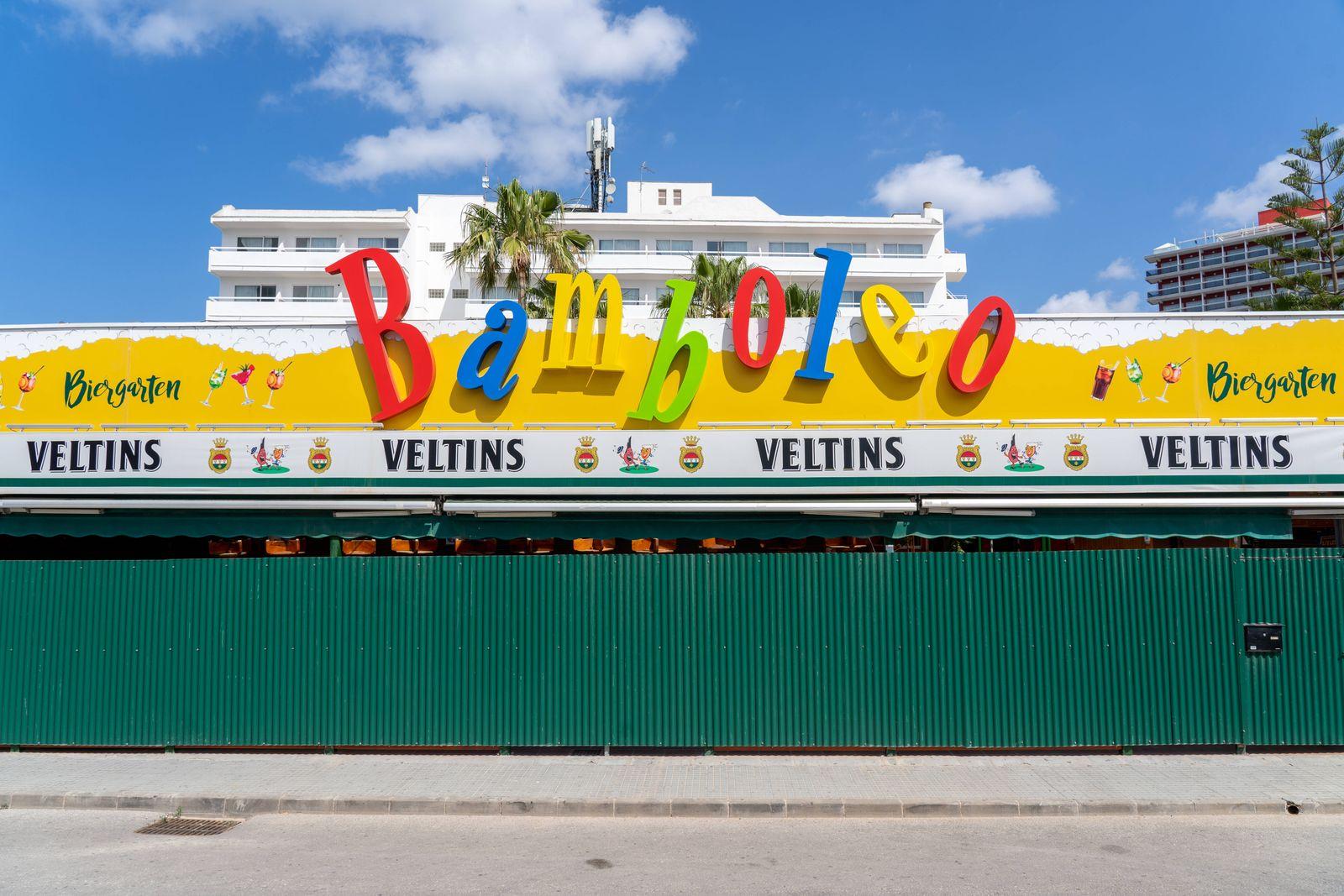 Nach dem Corona-Shutdown - Vor dem Neustart des Tourismus auf Mallorca Spanien Szenen aus Playa de Palma - Bar Bambolero