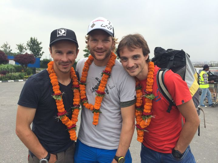 Haag, Böhm und Zambaldi während ihrer Anreise in den Himalaja