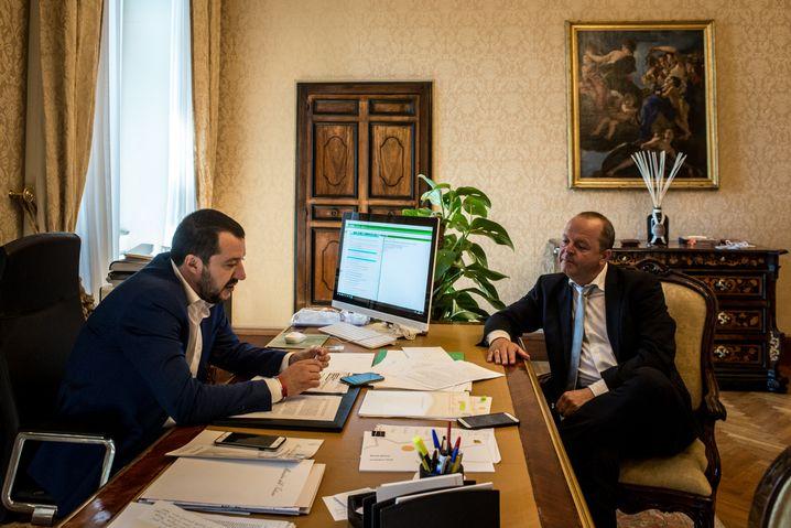 Matteo Salvini (left) with DER SPIEGEL reporter Walter Mayr in Rome.