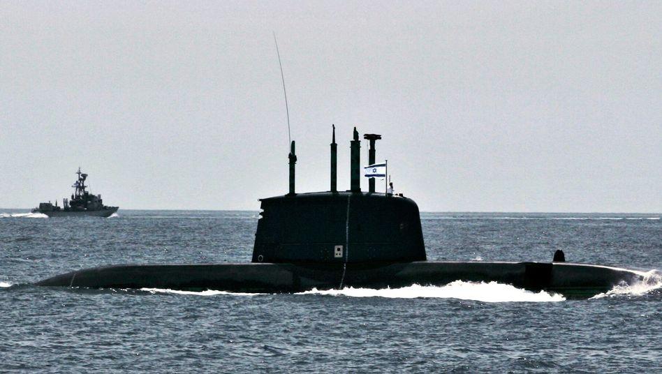 An Israeli Dolphin-class submarine on maneuvers (2008 photo).