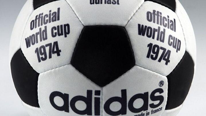 Wirbel und Nähte: Die Physik des Fußballs
