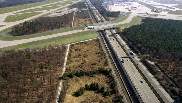 Frankfurt am Main: Umstrittene Landebahn geht in Betrieb
