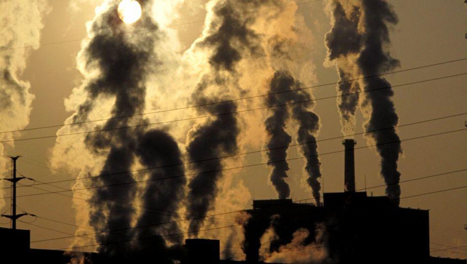 Fabriken in China: CO2-Ausstoß pro Kopf ist seit Jahren deutlich gestiegen