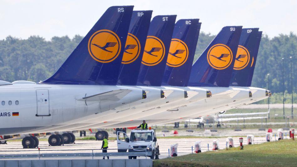 Lufthansa-Maschinen in Berlin: Die Krise setzt dem Unternehmen zu