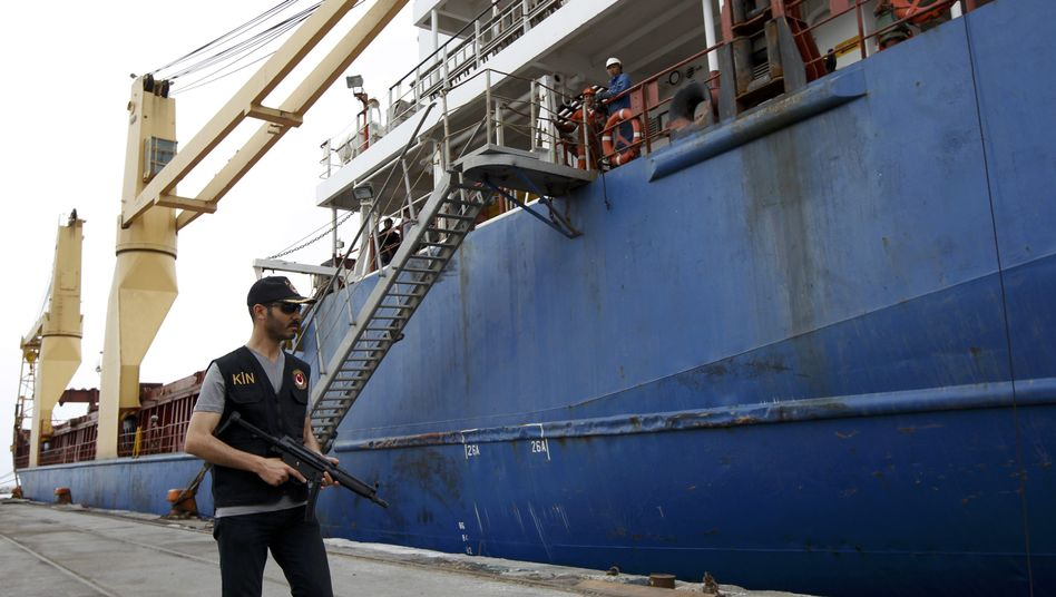 The inspection of the Atlantic Cruiser freighter in the Turkish port of Iskenderun did not turn up the weapons Syrian rebels claimed might be on board.