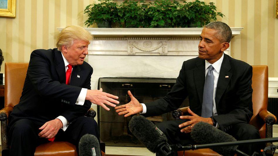 Donald Trump und Barack Obama (r.) im November 2016 im Weißen Haus