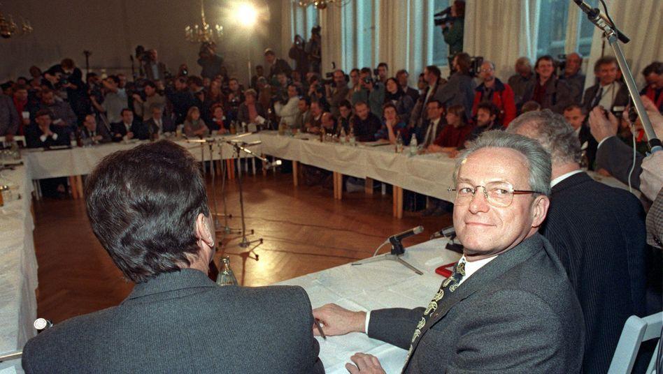 DDR-Staatsratsvorsitzender Gerlach (Archivbild 1989): nach langer Krankheit verstorben