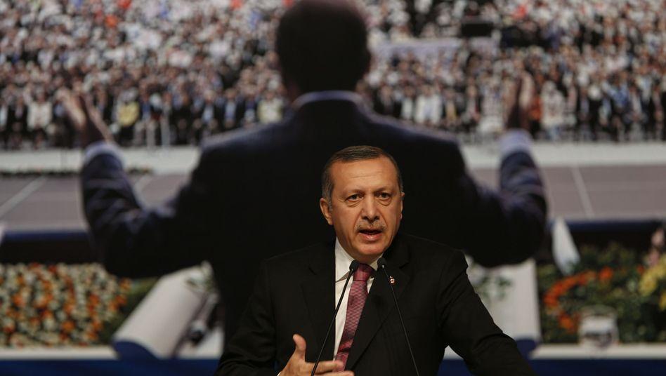 Ministerpräsident Erdogan auf einem AKP-Treffen: Von der Parteispitze an die Staatsspitze