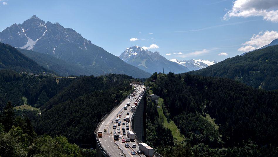 Europabrücke auf der A13: Dörfer leiden unter dem Durchgangsverkehr