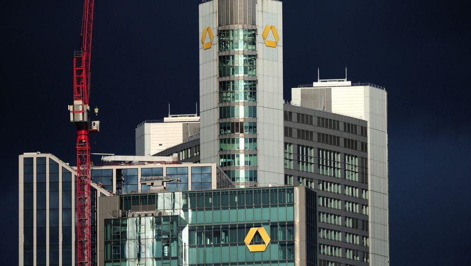 Commerzbank-Zentrale: Sparkurs bringt Millionengewinn