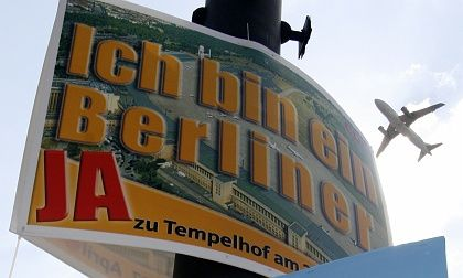 A placard for Sunday's referendum in Berlin against the planned closure of Tempelhof Airport.