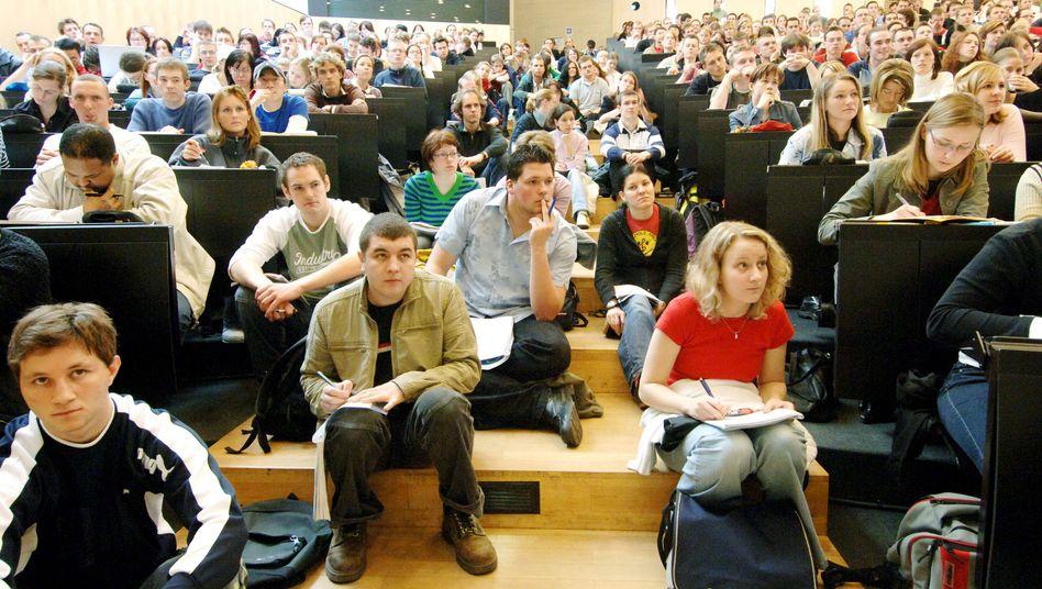 Ganz schön voll (Archiv): Erst 2025 werden wohl allmählich weniger junge Menschen ein Studium aufnehmen