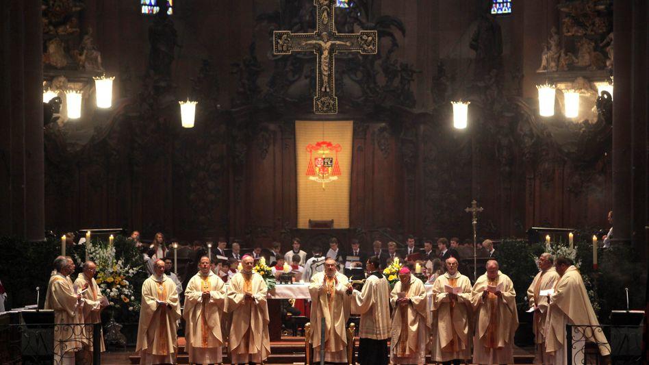 Gottesdienst (im Mainzer Dom): Mehr Rechte für Wiederverheiratete